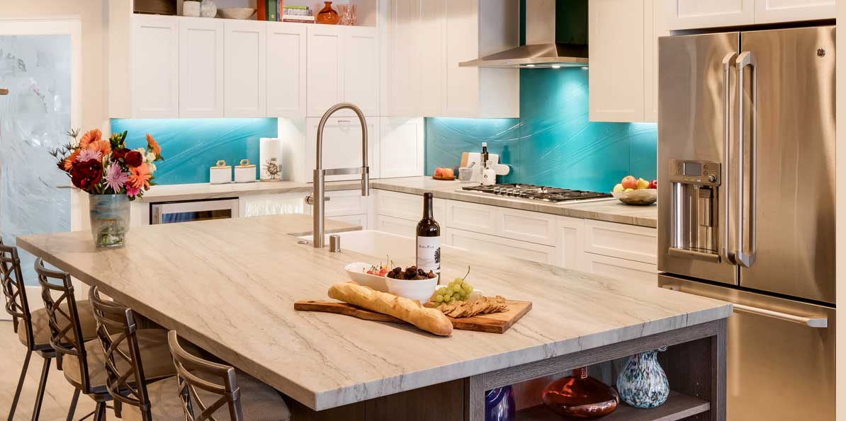 Glass Brightens Up Kitchens